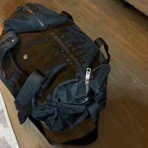 lululemon athletica Bags - Lululemon All Day Duffel weekend gym bag black
